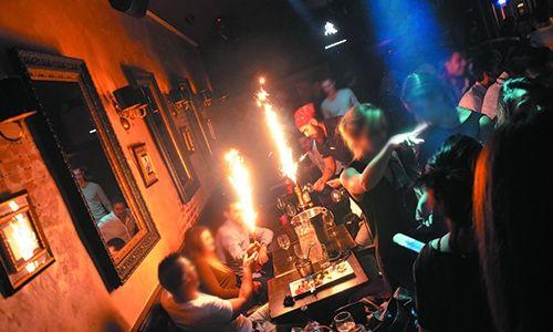 Découvrez la vie nocturne à Barcelonnette