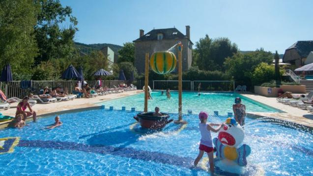 Faire du camping en Aveyron : quel établissement choisir et quelles activités pratiquer ?