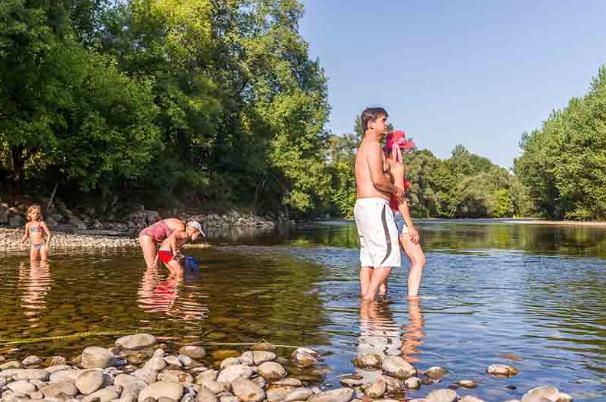 Et si vous essayiez de passer des vacances en camping en bord de rivière ?